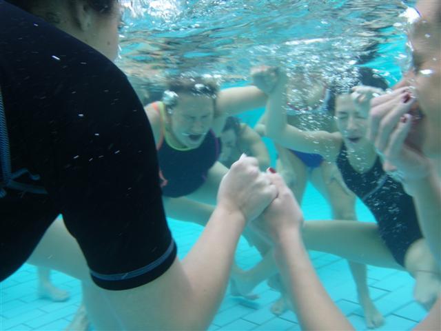 movimento acqua gravidanza piscina