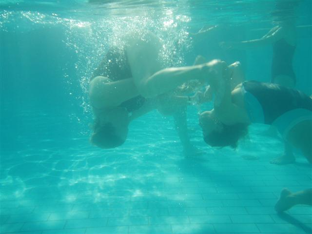 Gravidanza e piscina: perchè muoversi in acqua! - VioletaB