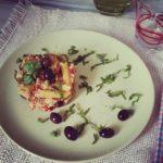 penne di kamut con sugo di cipolle pomodori secchi tofu e olive nere